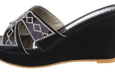 Dámské moderní pantofle na klínku