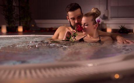 2 hodiny wellness: vířivka a sauna i láhev sektu