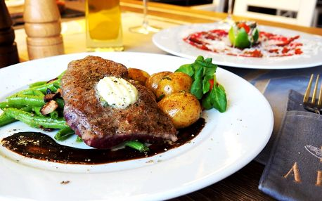 Tříchodové menu se steakem z roštěnce pro dva