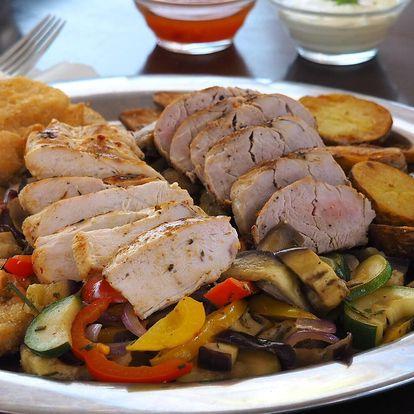 Plato masa a přílohy v moderní sklepní restauraci