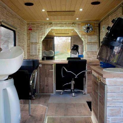 Profesionální pojízdné kadeřnické studio - zavolejte si kadeřníka domů