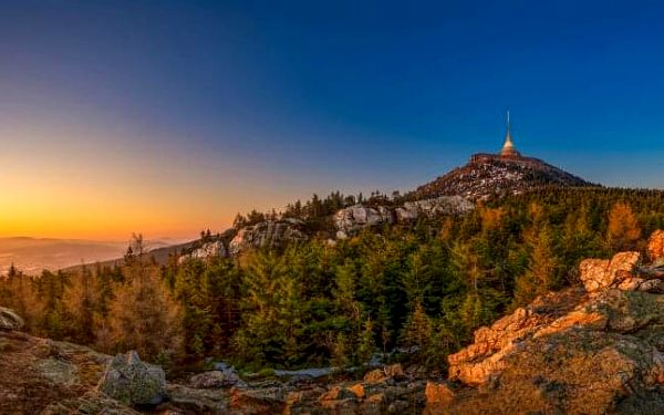 Liberecko blízko vrchu Ještěd v Penzionu Gloria až pro 4 osoby se snídaní formou bufetu + 50% sleva na saunu