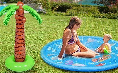 Vodní hračky do horkých dnů: podložka a palma