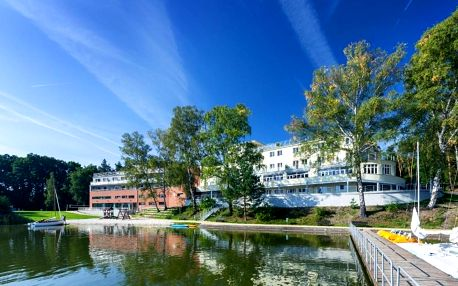 Máchovo jezero: Hotel Port Doksy