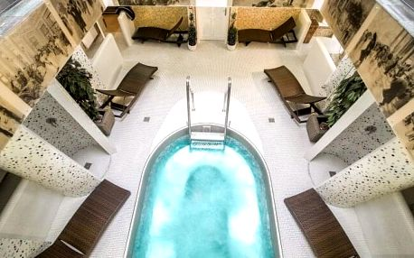 Karlovy Vary ve 4* Spa & Wellness Hotelu Karlsbad Grande Madonna se vstupem do bazénu, procedurami a polopenzí