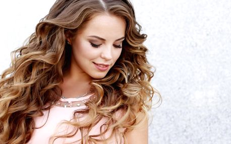Střih a třeba i melír pro všechny délky vlasů