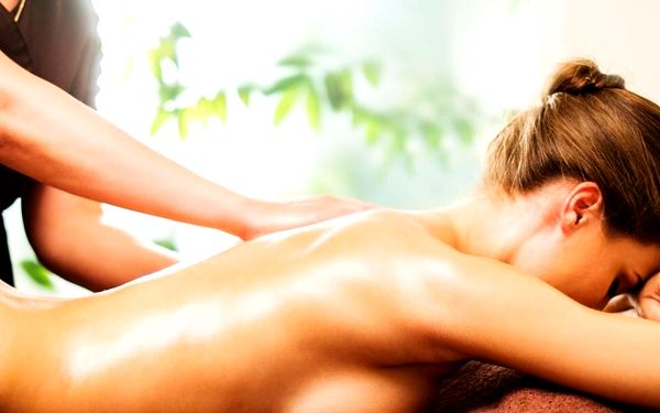 Masáž zad pro uvolnění svalstva + lávové kameny4