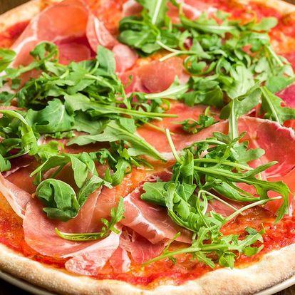 Pizza z cuketového těsta nebo klasická pizza