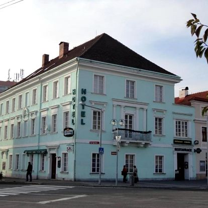 Český ráj: Hotel U Hroznu