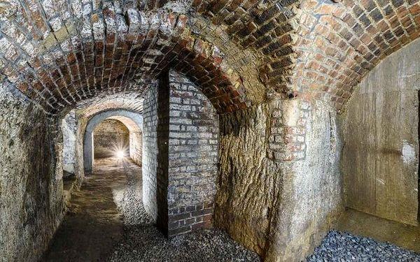 Prohlídka historického podzemí, cca 50 min, počet osob: 1 osoba, Plzeň (Plzeňský kraj)4
