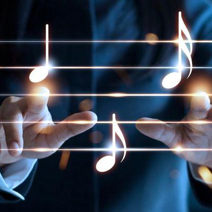 Originální píseň se jménem obdarovaného i dárce