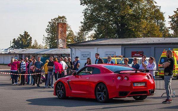 Jízda na okruhu + Rally taxi | Hradec Králové | 1. duben - 30. říjen. | 1+3 kola + 1 kolo rally taxi.5