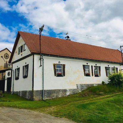 Kraj Vysočina: Venkovská chalupa s uzavřeným dvorem