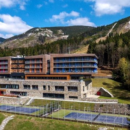Wellness Hotel Vista poblíž Stezky v oblacích Dolní Morava