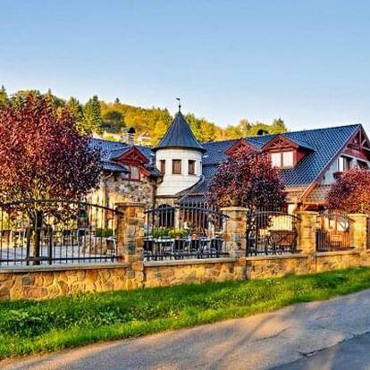 Posázaví: Romantický pobyt na Zámečku Kaliště *** s infrasaunou, lahví vína a polopenzí