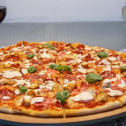 Pizza o průměru 26 nebo 50 cm i s nápojem