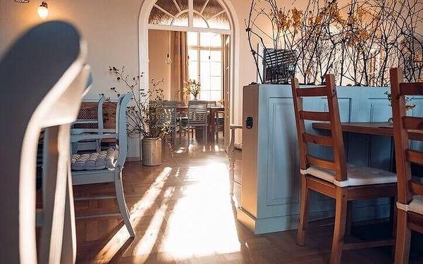Ubytování v hotelu Zámeček Janovičky | Broumovsko - Janovičky | Listopad – březen (kromě Silvestra). | 3 dny/2 noci.4