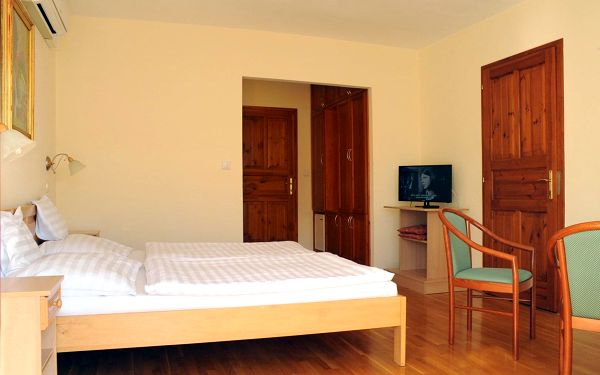 Hotel Ametiszt, Harkány, vlastní doprava, snídaně v ceně4