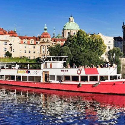 1 nebo 2hodinová vyhlídková plavba Prahou po Vltavě s rautem i hudbou od River Trip
