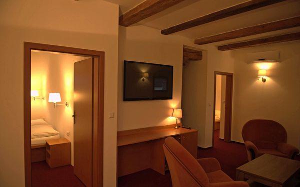 Pokoj Lux s vířivou vanou, všední dny   2 osoby   2 dny (1 noc)2