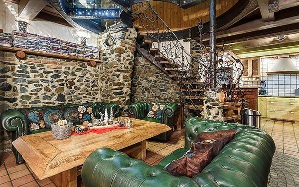 5denní pobyt v chatě Medvědí skála v Beskydech pro až 10 osob (Ne–Čt)2