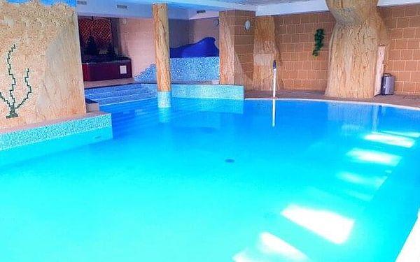 Polsko: Krkonoše v Hotelu Corum s polopenzí, neomezeným bazénem a saunou