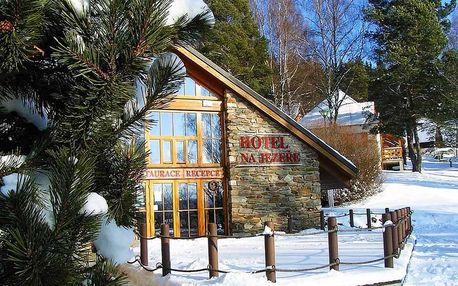 Silvestr na Lipně v Hotelu Na Jezeře pro dvě osoby
