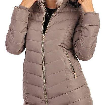 Zimní bunda zateplená kožíškem i pro plnoštíhlé