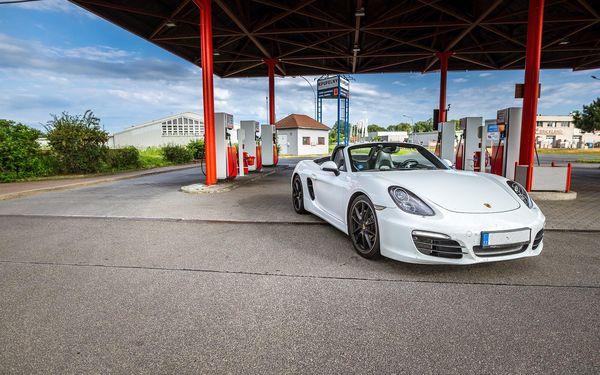 Auto podle výběru: Ferrari nebo Lamborghini na 15 min./15 km5
