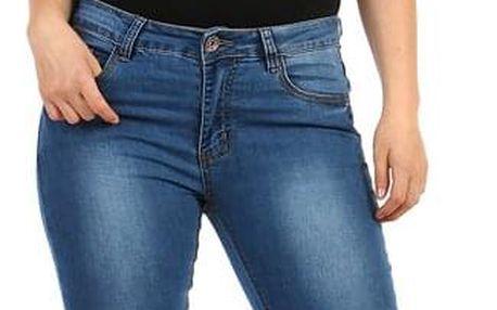 Rovné dámské džíny - i pro plnoštíhlé