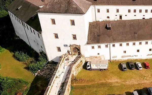 Pobyt se snídaní + komentovaná prohlídka zámku Kolštejn, všední dny   2 osoby   2 dny (1 noc)2