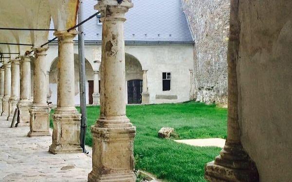 Pobyt se snídaní + komentovaná prohlídka zámku Kolštejn, všední dny   2 osoby   2 dny (1 noc)3