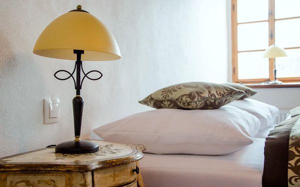 Pobyt se snídaní + komentovaná prohlídka zámku Kolštejn, všední dny   2 osoby   2 dny (1 noc)4