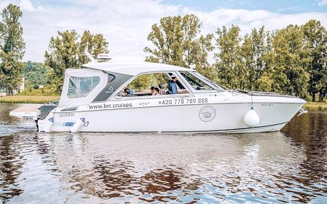 Luxusní plavba po Vltavě moderní jachtou GREENLINE NEO pro 10 osob