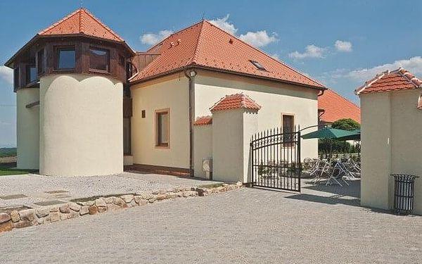 Romantika v podhradí Buchlova | Buchlovice | 4.4. – 28.6. a 4.9.- 27.12. (PO-PÁ). | 3 dny/2 noci.3