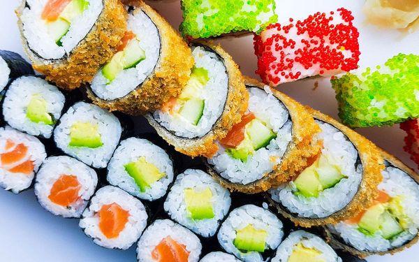 32 ks sushi: losos na tři způsoby, kreveta, tuňák