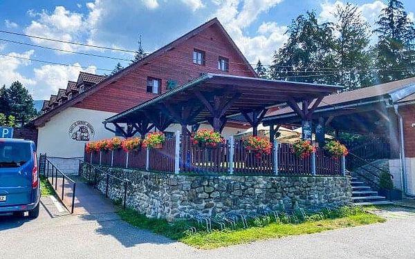 Beskydy na úpatí Lysé hory: Hotel Rajská bouda *** se vstupem do sauny, bowlingem a polopenzí
