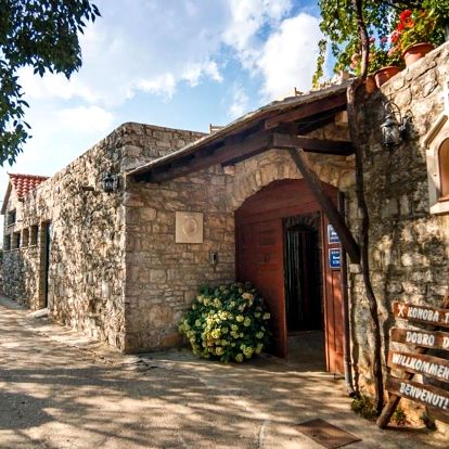 Chorvatsko, Brač: Apartments & Rooms Konoba Tomić