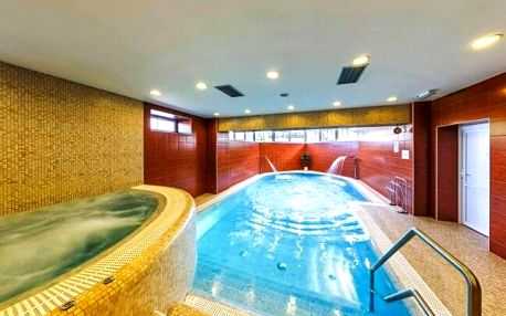 Beskydy: Hotel Hukvaldy *** v objetí ski areálů s wellness a bazénem neomezeně + polopenze
