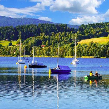 Podzim na břehu Lipna s polopenzí a bazénem v Hotelu Swing ***