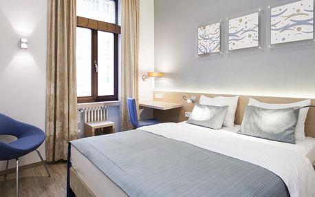 Podzimní Praha: Moderní hotel se snídaní