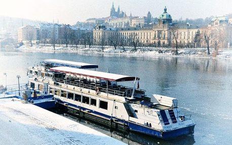Adventní plavby po Vltavě s cukrovím i rautem