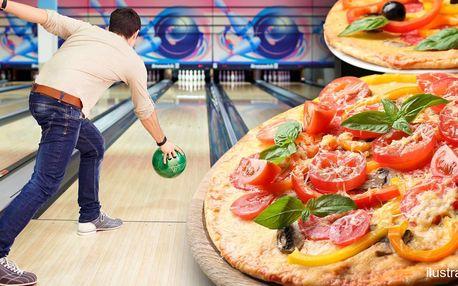 Hodina bowlingu a dvě pizzy až pro 8 hráčů