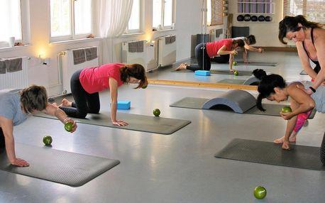 Skupinová lekce pilates, Port de Bras či fitbalet