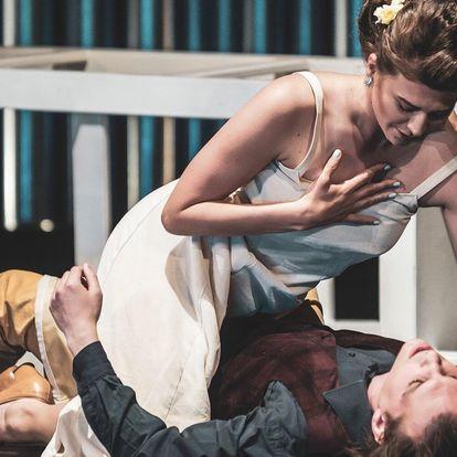Divadelní představení Sen noci svatojánské