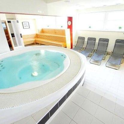 Hotel S-centrum Benešov *** u Prahy s polopenzí, bazénem, wellness a sportovním vyžitím