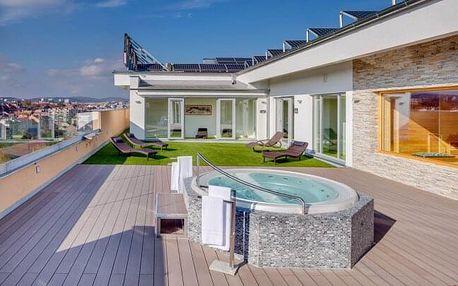 Brno u centra ve fantastickém 4* Hotelu Avanti se střešním wellness s parádním výhledem, fitness a snídaní