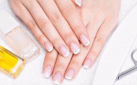 P-shine či francouzská manikúra i masáž celých rukou
