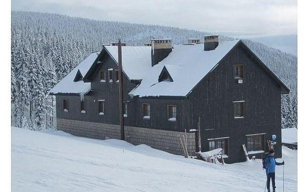 Zimní dovolená na horách. Přijměte naše pozvání na chatu Malá Rennerovka