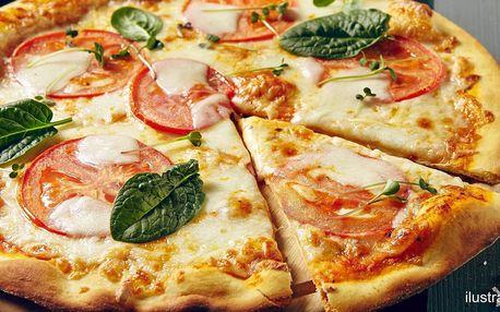 Dvě křupavé pizzy podle výběru na odnos s sebou